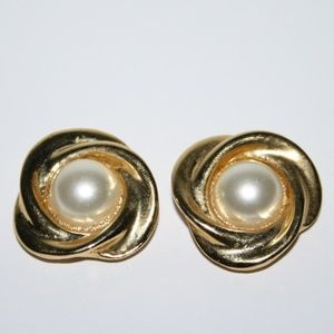 Vintage gold and pearl shoe clips